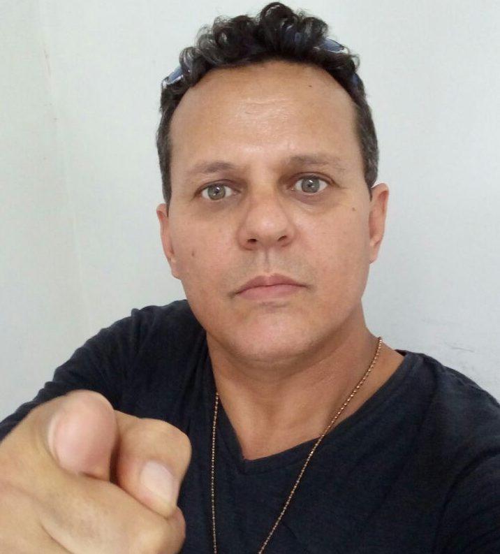 """""""Saio de peito aberto e com a cabeça erguida"""" diz policial civil de Divinópolis ao se aposentar"""
