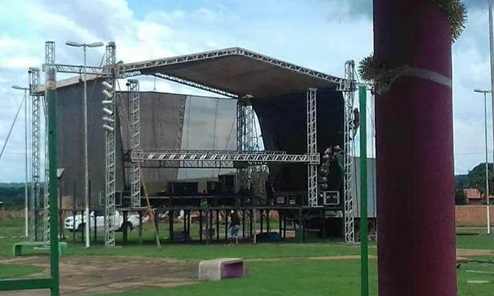 Monte Santo se prepara para o grande show de Carlos & Jader