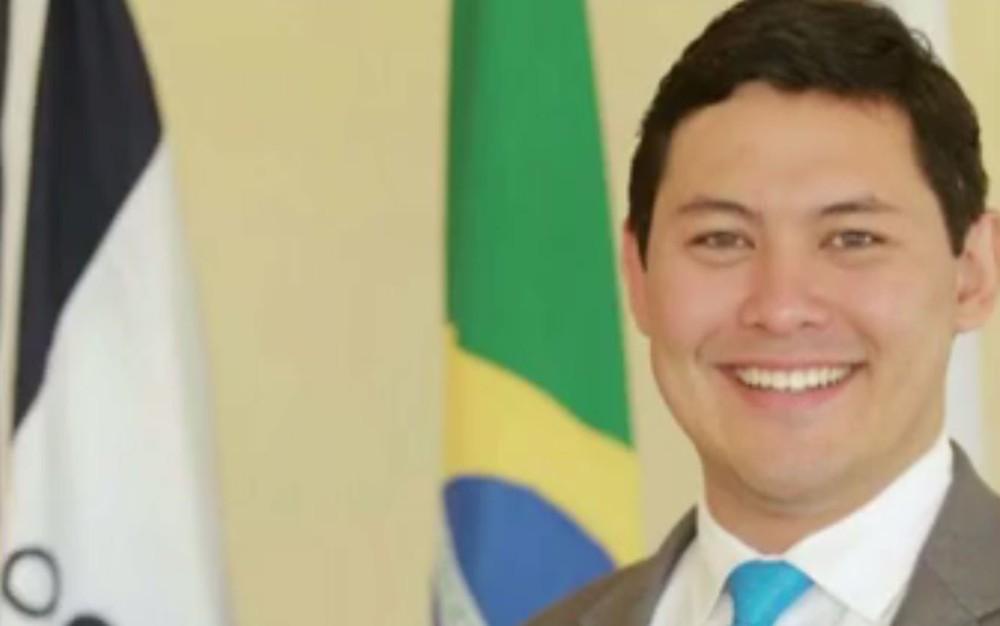 Ministro interino do Trabalho, Helton Yomura, é réu na Justiça do Rio em ação de furto de energia