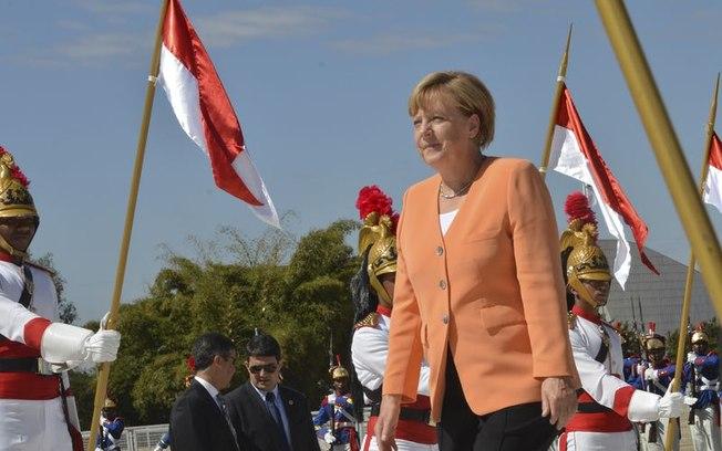 Chanceler alemã incita Europa à reflexão sobre mundo sem liderança dos EUA