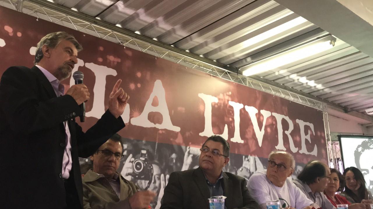 Durante plenária em Osasco, Marcos Martins fez balanço de sua atuação como parlamentar e recebeu homenagens