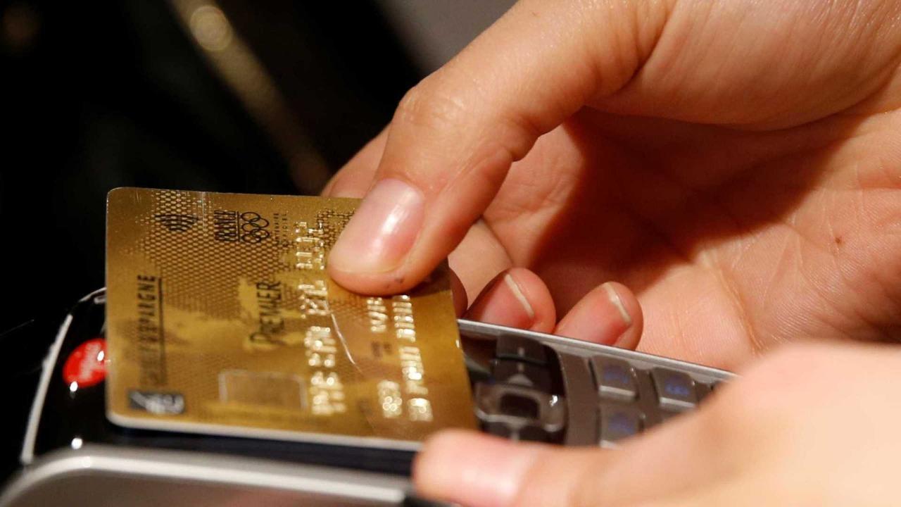 Lei que proíbe estabelecimentos de cobrarem valor mínimo em compras com cartões, é sancionada pelo Governo do Tocantins