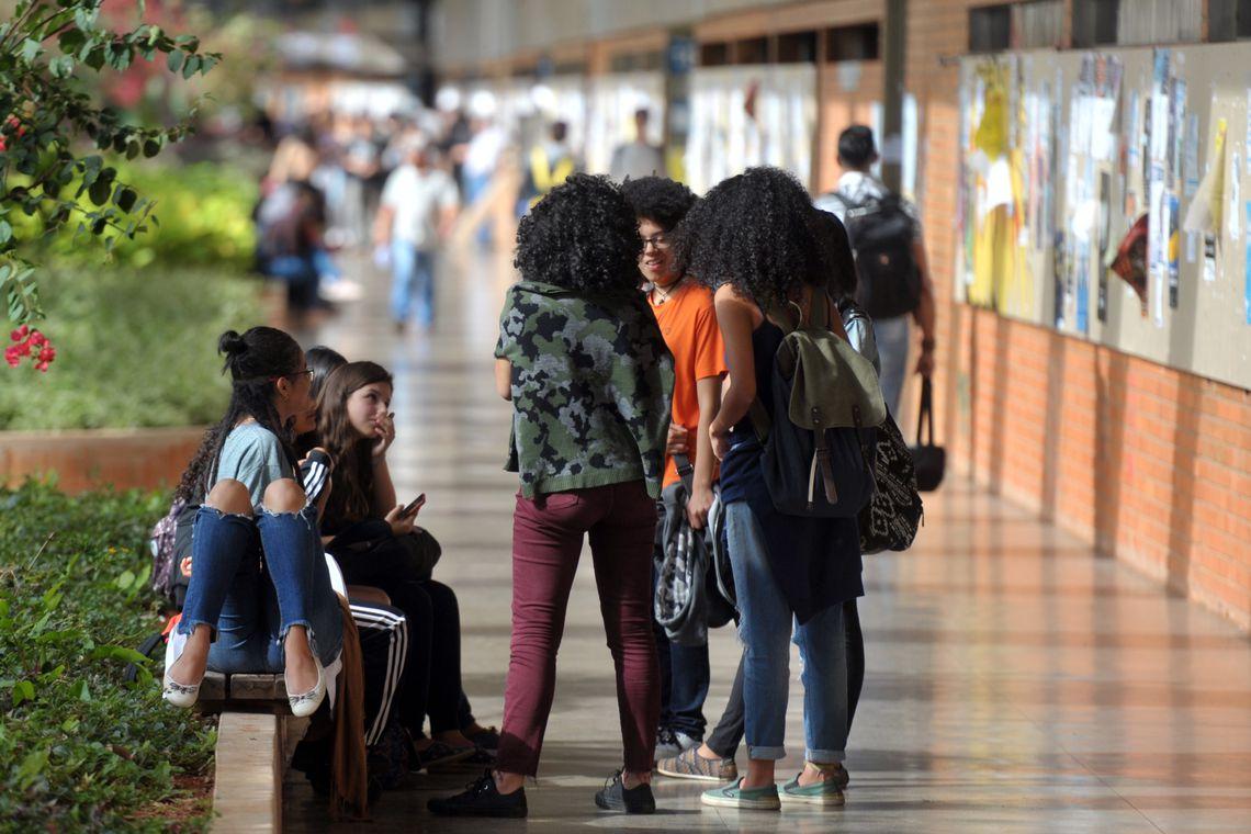 Interino da Educação revoga portaria de Weintraub sobre cotas