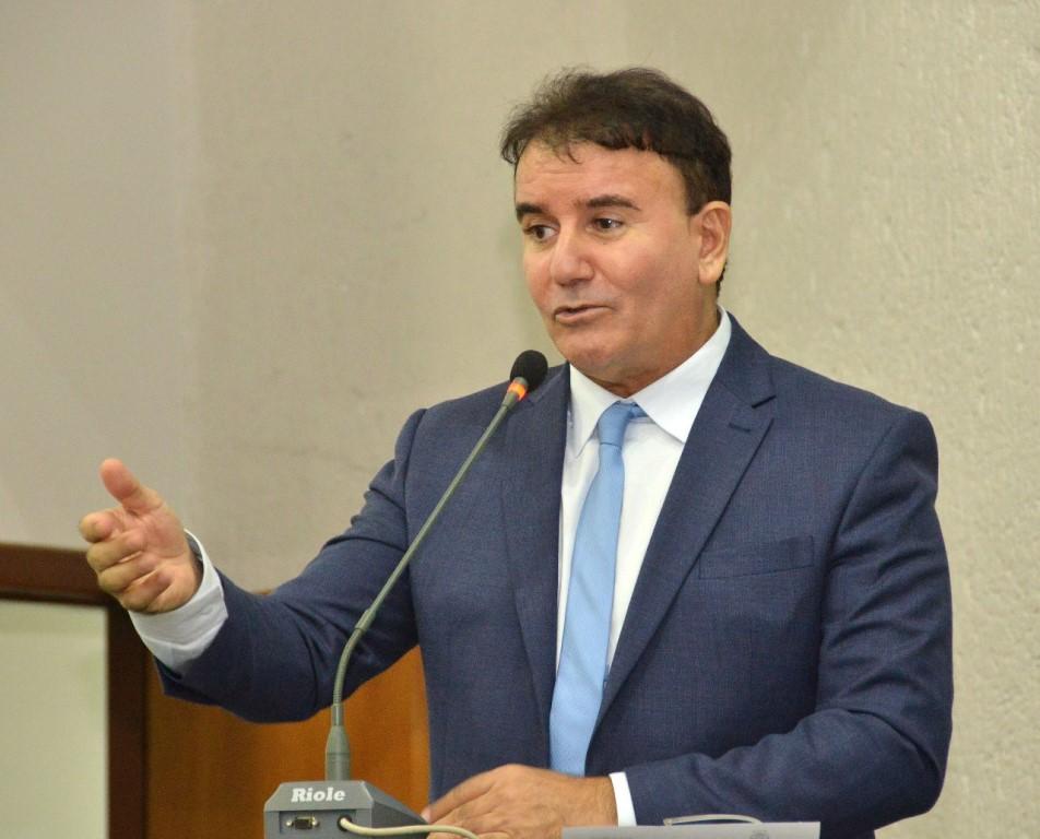 Eduardo Siqueira destaca convocação de aprovados da Cidadania e Justiça e relembra emenda no Orçamento