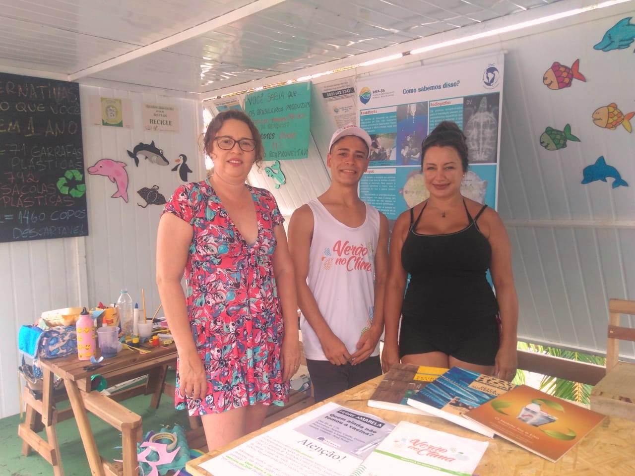 Projeto Verão no Clima conscientiza população nas praias do Brasil e recebe atriz de cinema Cris Lopes no litoral paulista