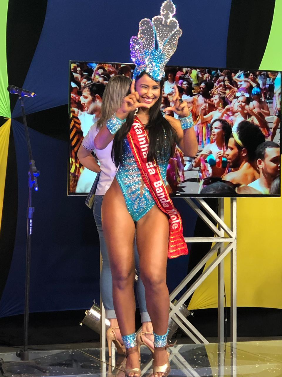 Musa da grande Rio Lais Cruz participou e comentou do Central do Carnaval do SBT TV alterosa