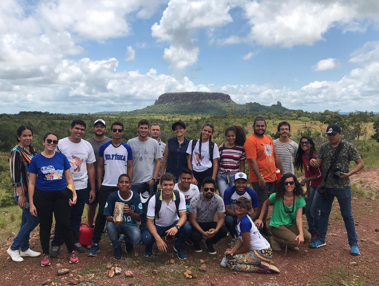 Sítios de vegetação fossilizada do Tocantins atraem visitantes brasileiros e estrangeiros para Monumento Natural