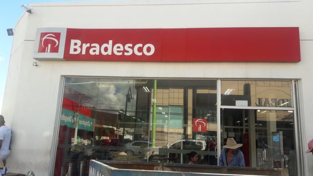 Procon autua Bradesco por demora no atendimento em Paraíso do Tocantins