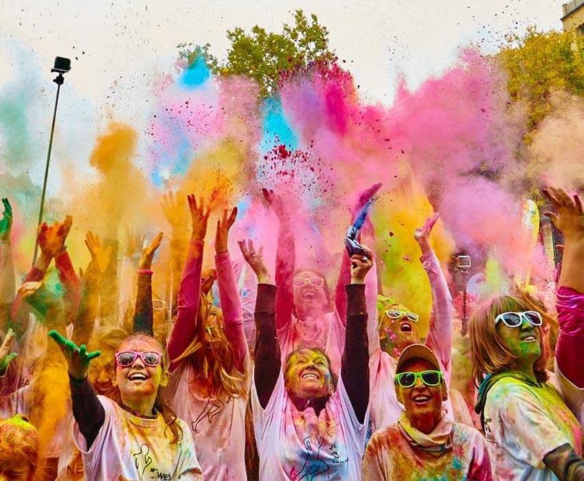 Color Race reúne 4 mil pessoas para uma manhã muito colorida e divertida em São Paulo (SP)