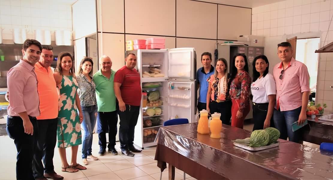Visitas nos almoxarifados, depósitos e refeitórios das unidades escolares e do centro de manutenção do município Lajeado