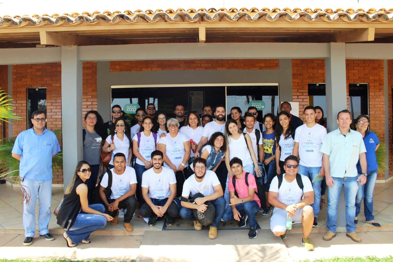 Universitários visitam a Coapa e vivenciam na prática conhecimentos repassados na sala de aula