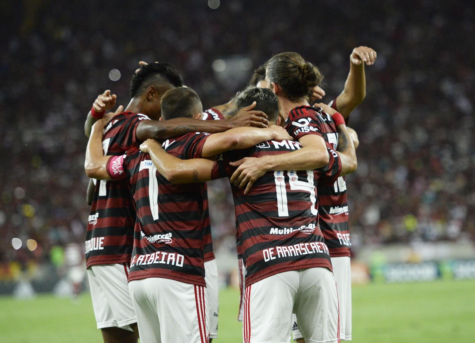 Flamengo baixa a guarda, passa por sustos, mas cumpre missão contra o CSA