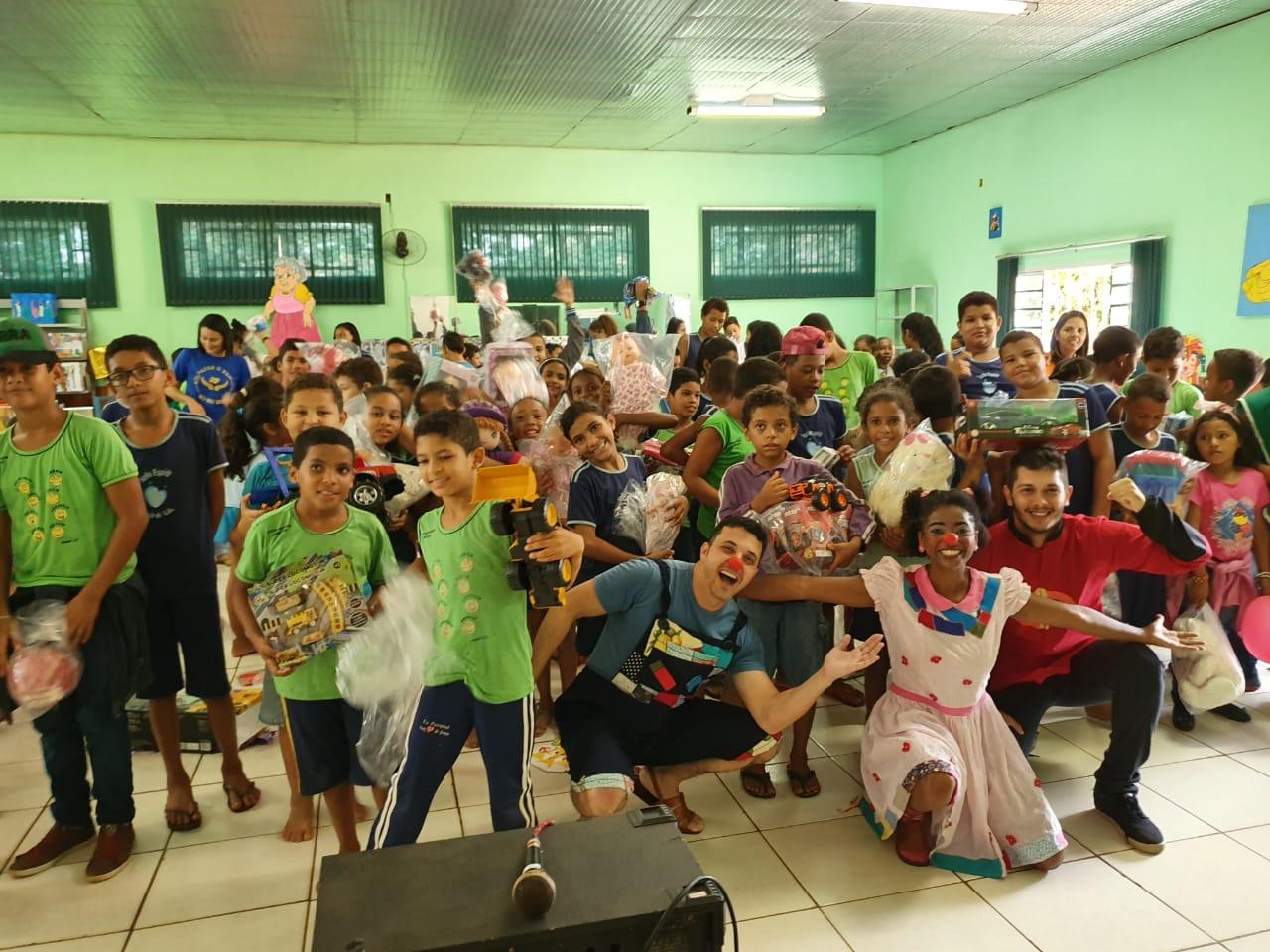 Isca e Grupo Artpalco beneficiam centenas de crianças em Araguaína com doação de brinquedos