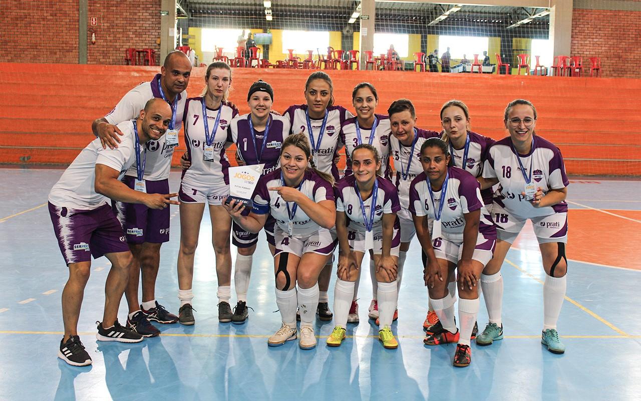Equipe do futsal feminino da Serprati/Prati-Donaduzzi é vice-campeã da fase estadual dos Jogos Sesi