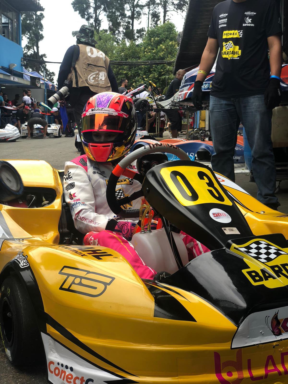 Formada unicamente por mulheres, Karteiras Promax Bardahl faz pole nas 500 Milhas de Kart