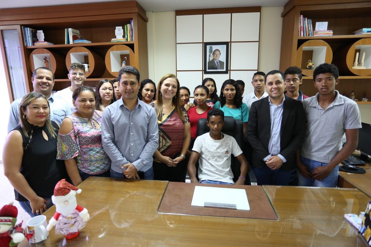 Estudantes de Pedro Afonso conhecem pontos históricos e culturais de Palmas