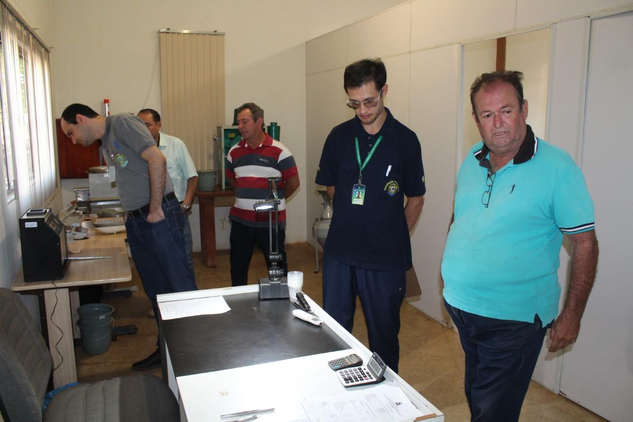 Laboratório de classificação de grãos instalado na Coapa é vistoriado para renovar credenciamento junto ao Mapa