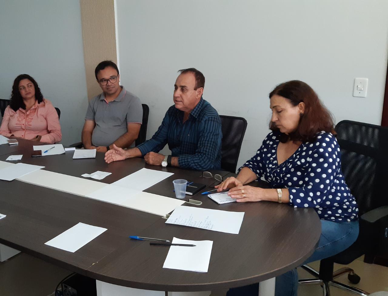 Prefeito e autoridades de Monte Santo se reúnem para celebrar conquistas e discutir pontos importantes