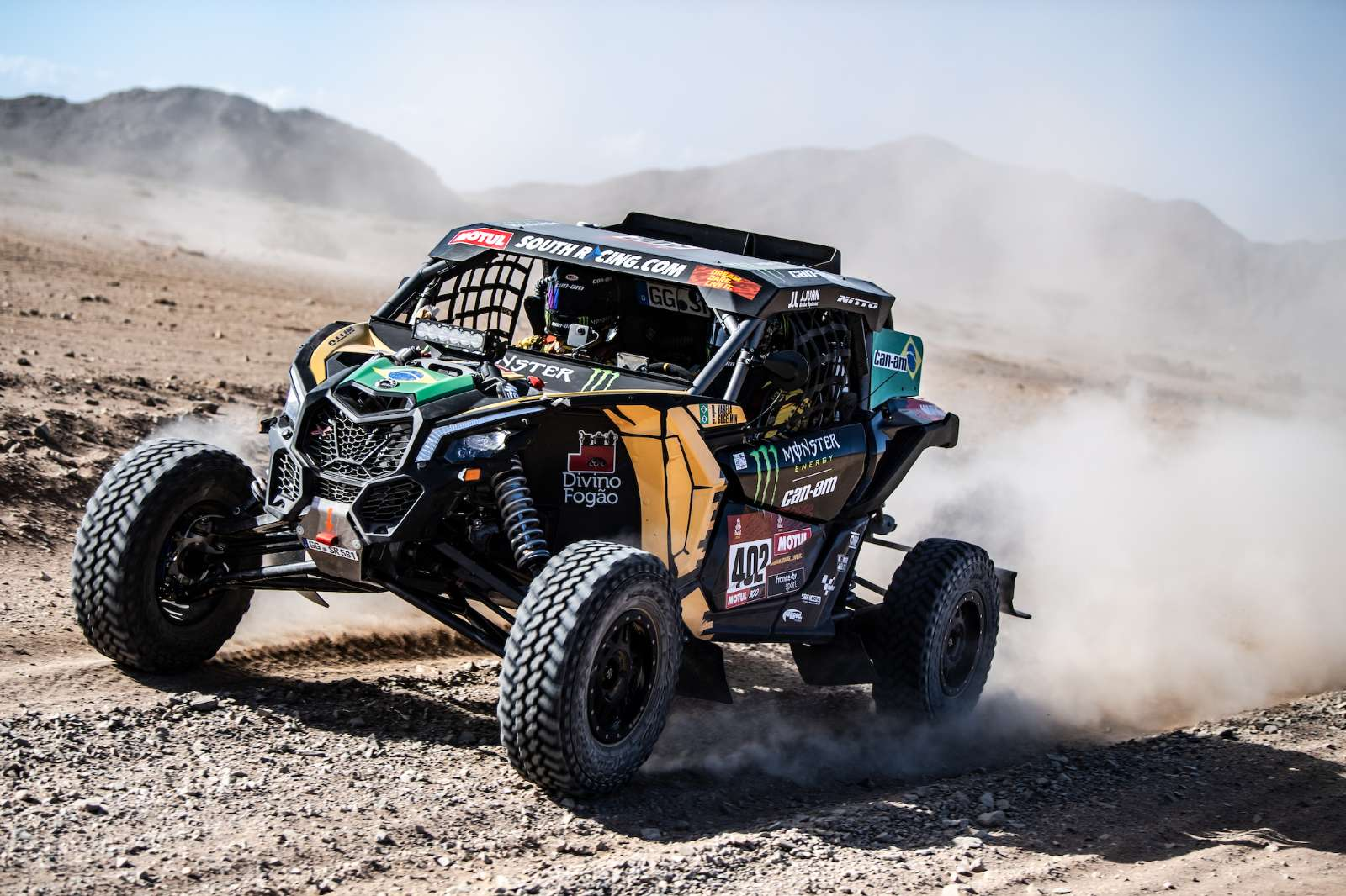 Brasileiros completam segundo dia no top 10 dos UTVs no Rally Dakar 2020