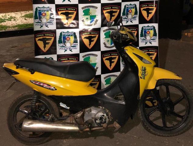 Força Tática da PM prende dois homens por receptação de motocicleta furtada/roubada em Itaguatins