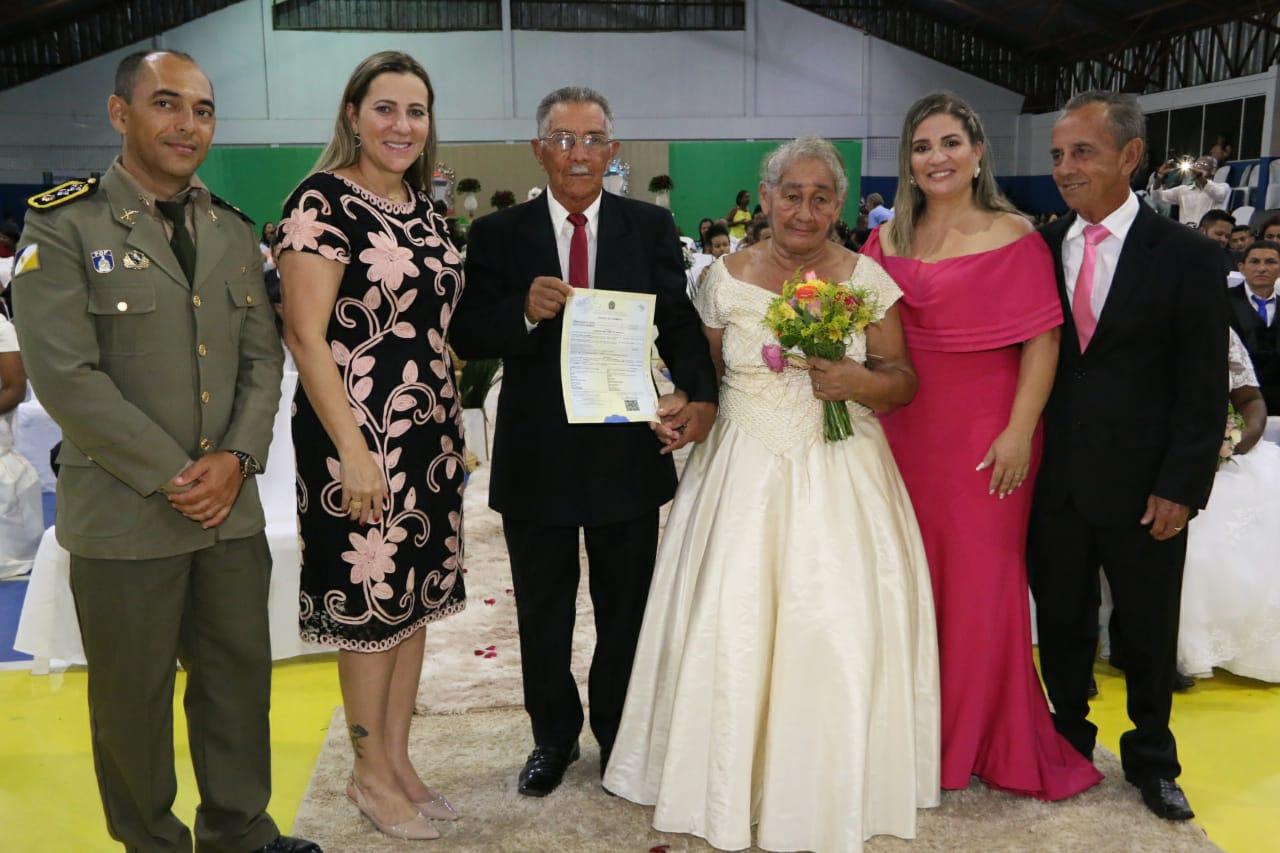 Dulce Miranda prestigia casamento comunitário para 58 casais em Lagoa da Confusão