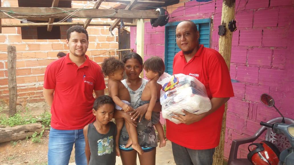 Farmácia Preço Baixo de Paraíso distribui alimentos arrecadados no 1º Torneio Solidário de Futsal