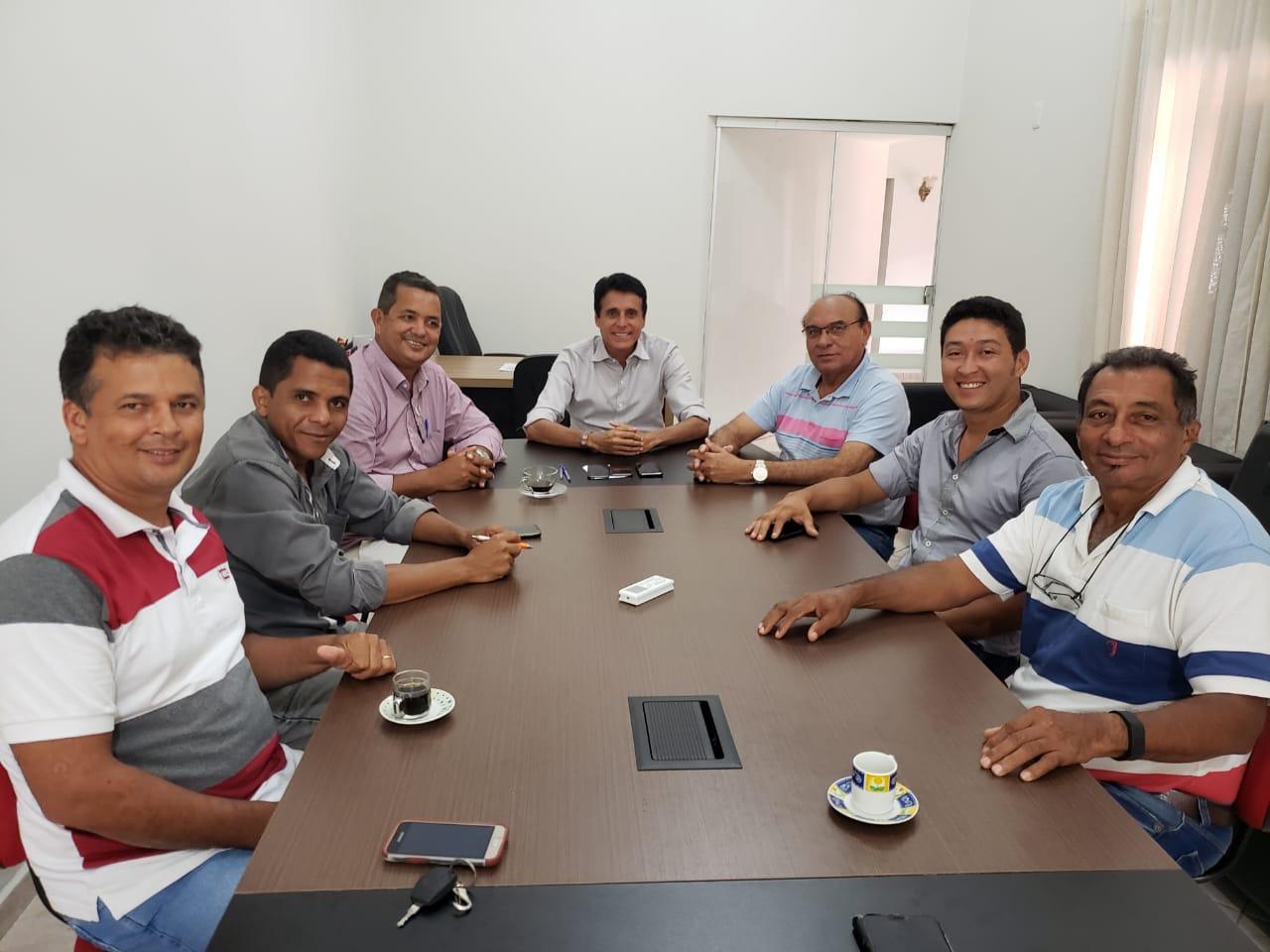 Nilton Franco se reúne com lideranças e convida os a filiarem ao MDB