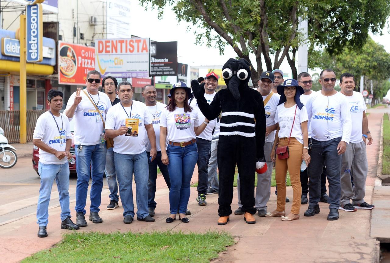 Com blitz realizada em Taquaralto, Semus sensibiliza população no combate à dengue