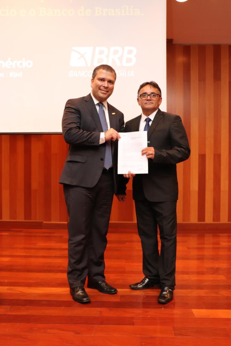 Fecomércio Tocantins recebe Banco de Brasília para assinatura de Termo de Cooperação