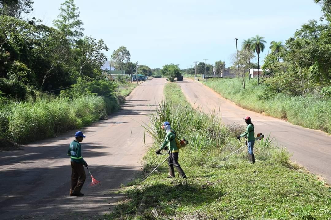 Prefeitura de Paraíso faz mutirão de limpeza e disponibiliza contêineres para população jogar entulhos