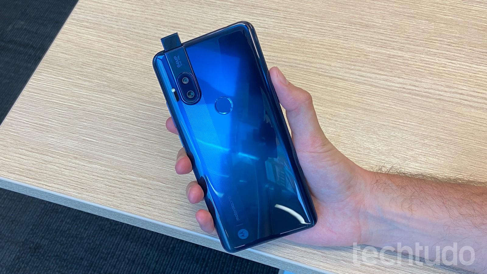 Celular misterioso: Motorola Racer é homologado pela Anatel e já pode ser lançado no Brasil