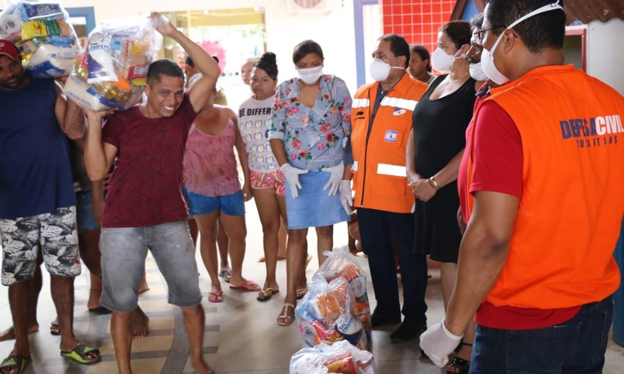 Governo do Estado entrega cerca de 1.000 cestas básicas para famílias afetadas por chuvas no Bico do Papagaio