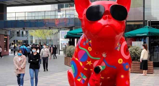 Com novo surto da Covid-19, mais de mil voos são cancelados nos aeroportos de Pequim