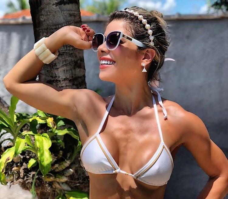 Vanessa Perez dribla a compulsão na quarentena e exibe a boa forma