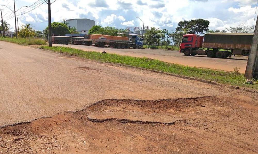 Governo do Tocantins vai reconstruir trecho da TO-422 que dá acesso ao Distrito Agroindustrial de Araguaína
