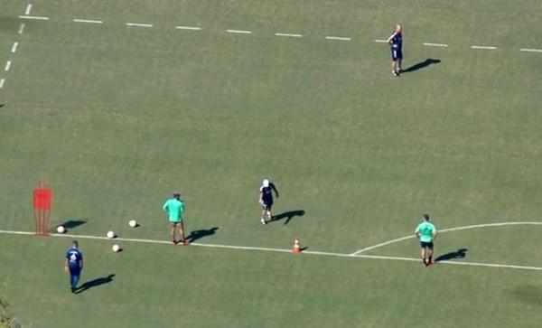 Jogadores do Flamengo treinam no Ninho do Urubu; prefeitura diz ter autorizado somente fisioterapia
