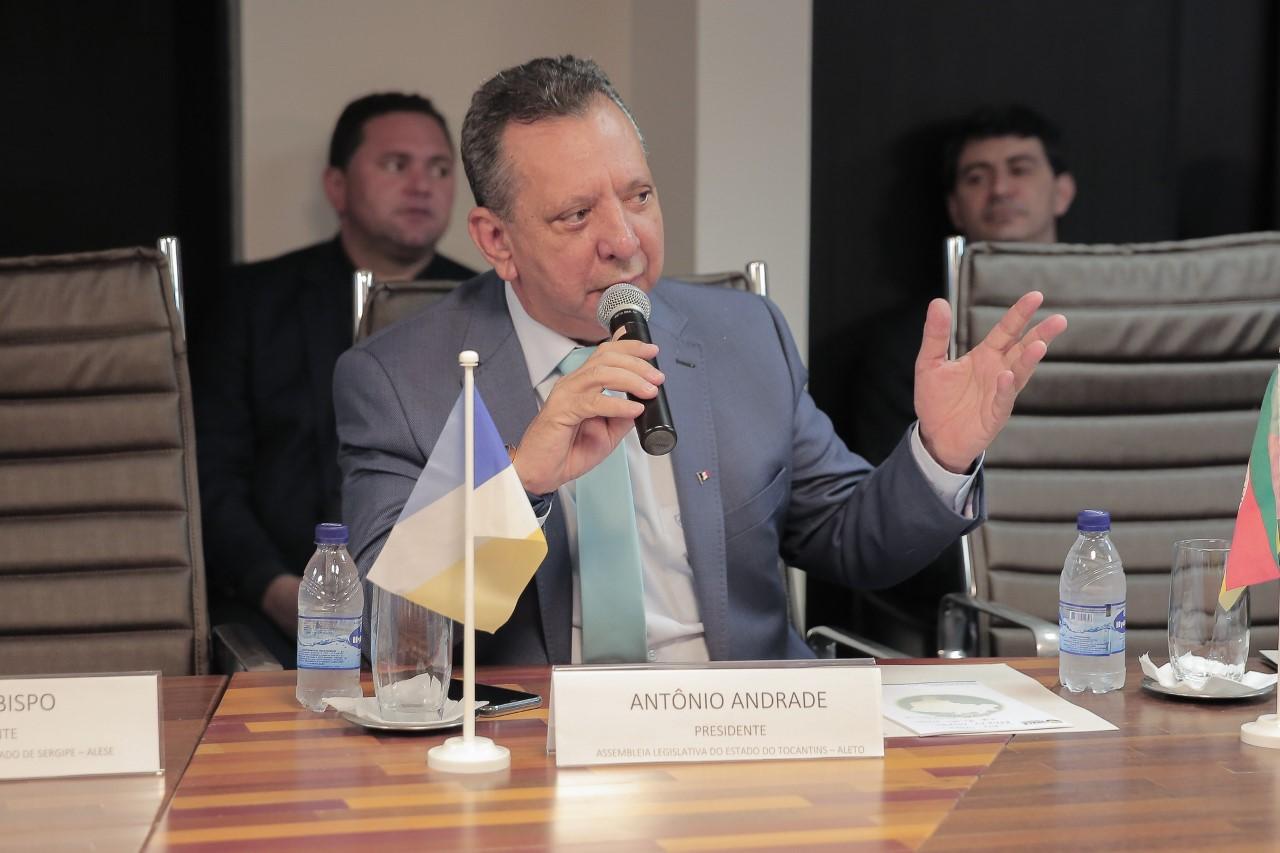 Antonio Andrade faz homenagem a Porto Nacional e fala em obras transformadoras