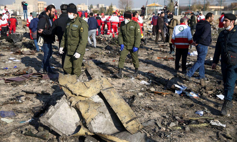 Sequência de erros causou queda de avião ucraniano