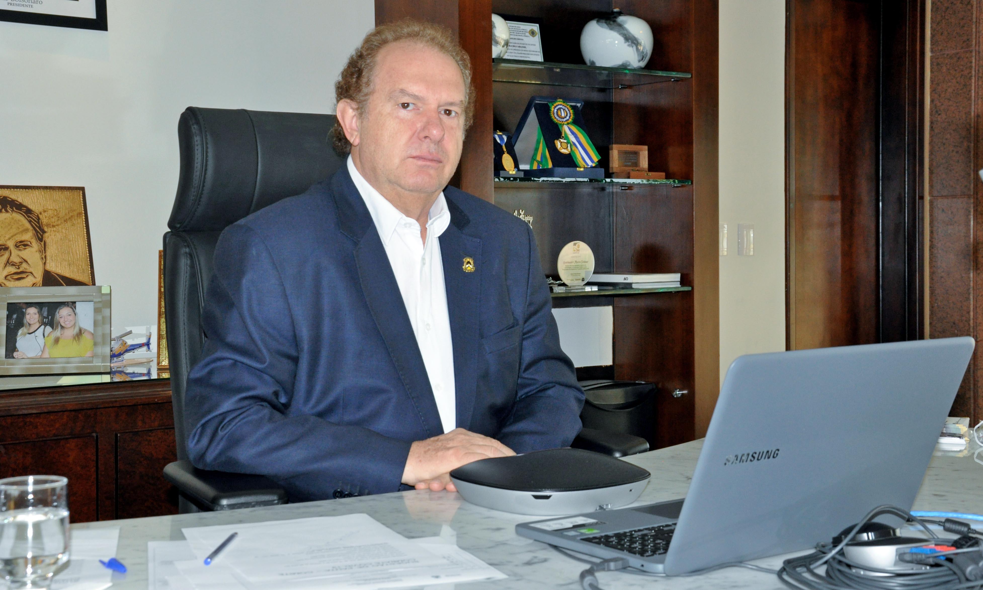 Governador Carlesse determina agilidade na contratação de leitos privados para atender população