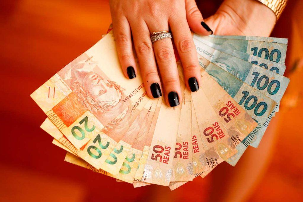 Governo paga abono salarial 'PIS/Pasep 2020' nesta semana; veja calendário