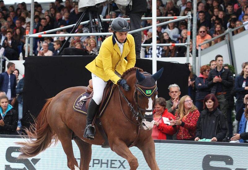 Yuri Mansur aposenta Babylotte, égua que lhe trouxe algumas de suas maiores conquistas