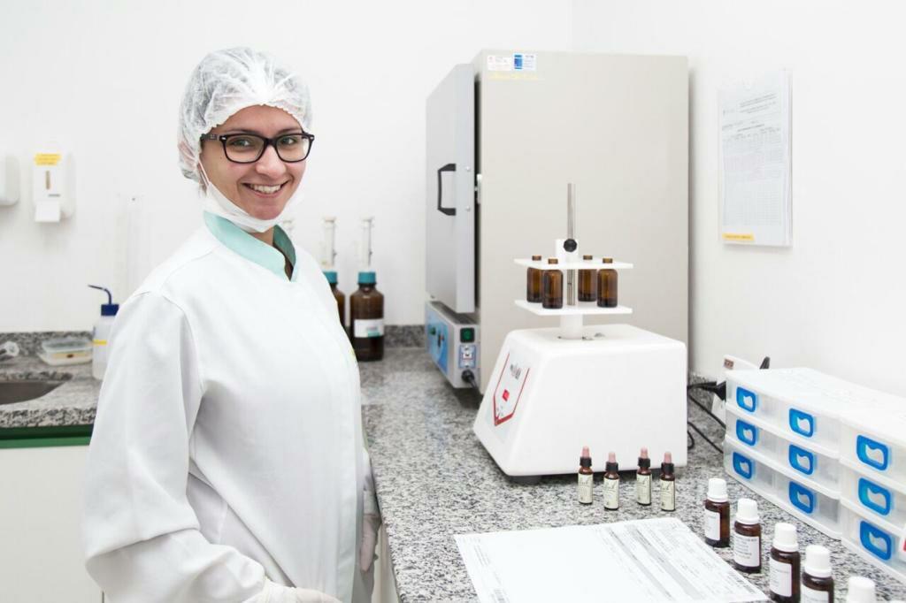 Pharma Acácia faz aniversário de 6 anos com visão inovadora e diferenciada na manipulação