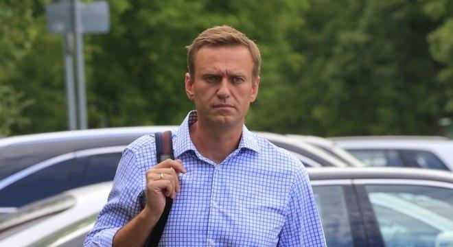 Opositor do presidente russo é internado sob suspeitas de envenenamento