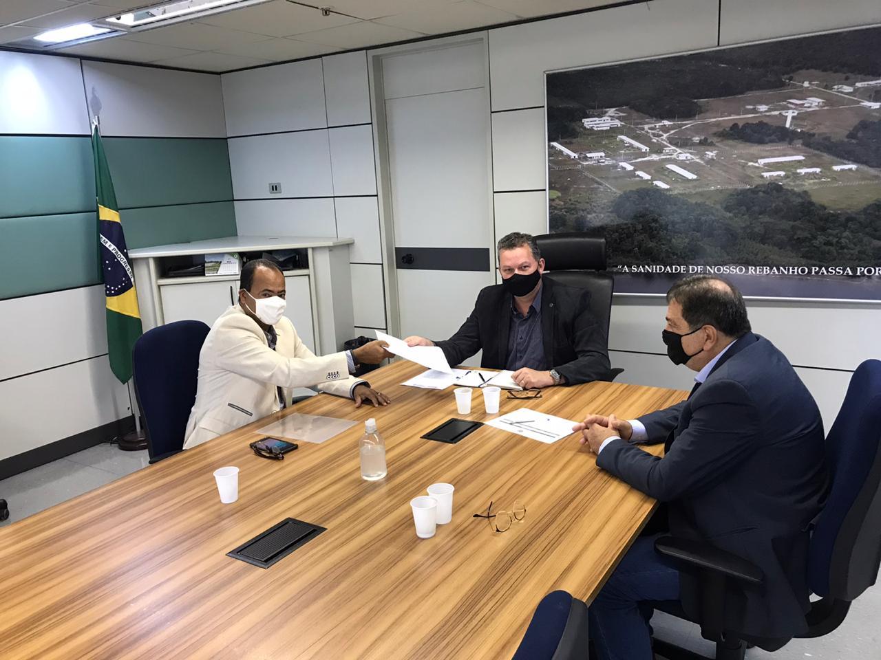 Governo do Tocantins solicita liberação de recursos para fortalecimento das ações de defesa agropecuária