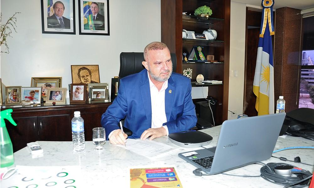 Carlesse assina decreto que estabelece critérios para artistas cultural terem acesso à Lei Aldir Blanc