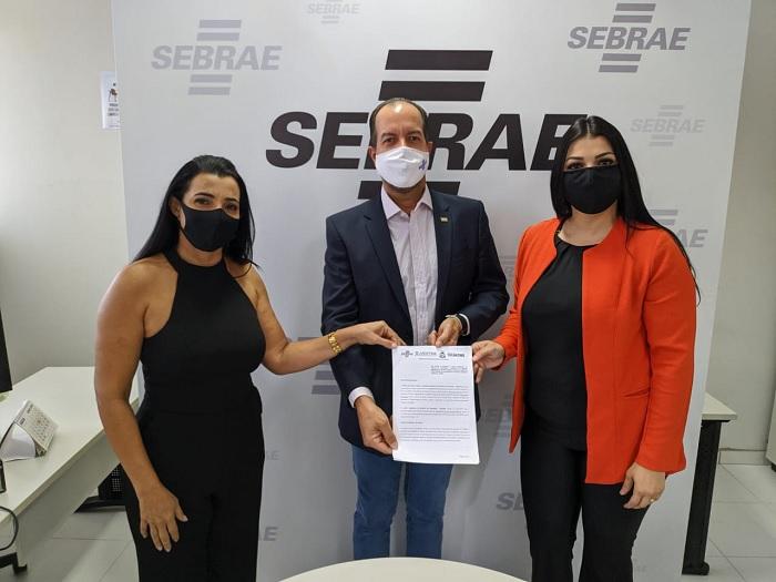 Sebrae e Jucetins firmam parceria para desburocratizar a abertura de empresas