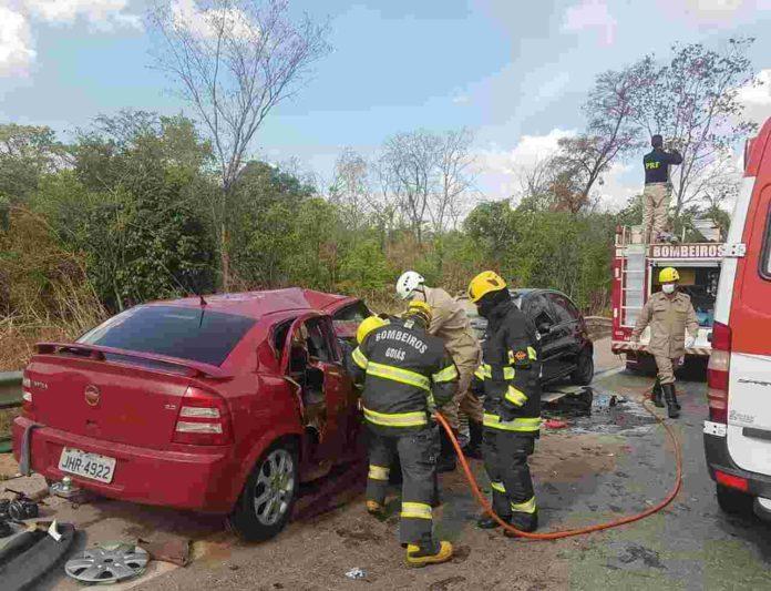 Trecho da BR-153 registra dois acidentes graves em poucas horas
