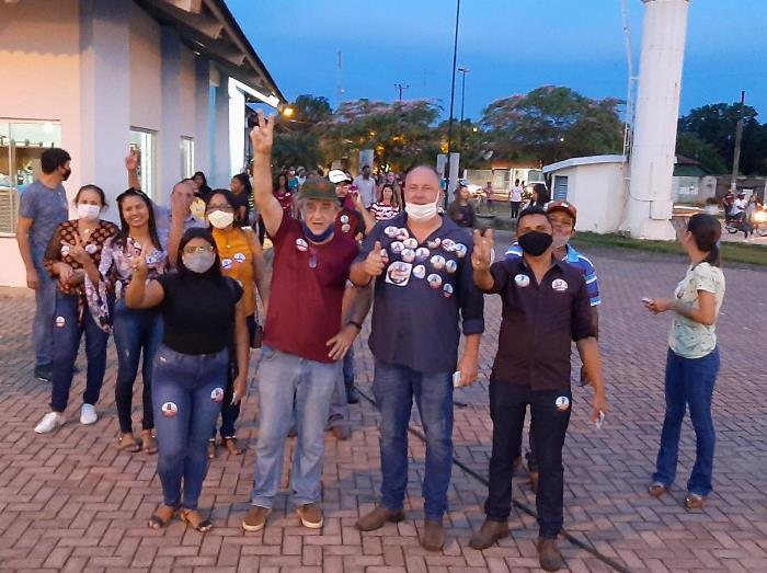 Flavão Rodrigues promove caminhada em Divinópolis com participação de Célio Moura
