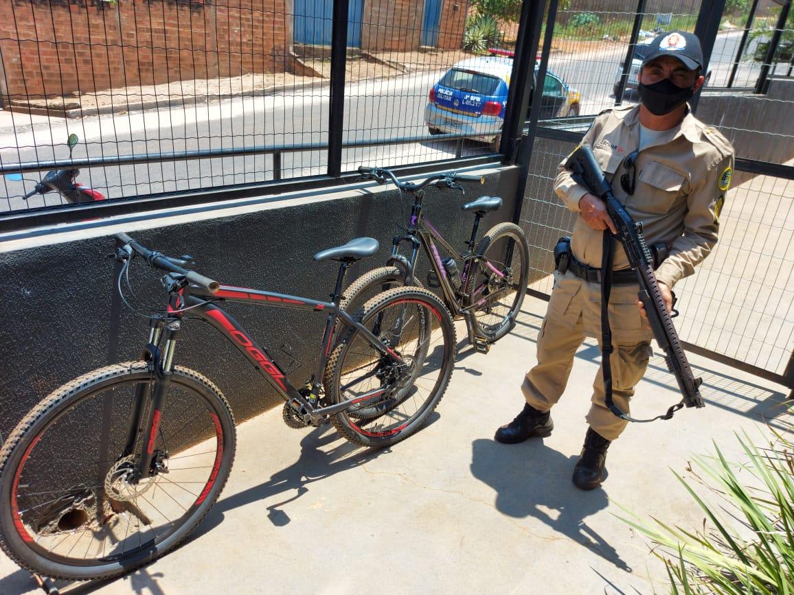 Policia Militar prende autor de furto em residência e recupera duas bicicletas em Paraíso