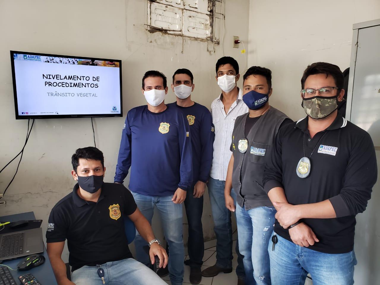 Fiscais de barreiras fixas e volantes da regional da Adapec de Araguatins participam de treinamento